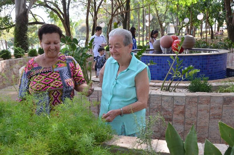 plantas jardim sensorial : plantas jardim sensorial: Brandão e Ana Maria Favoretto visitaram o jardim sensorial do parque